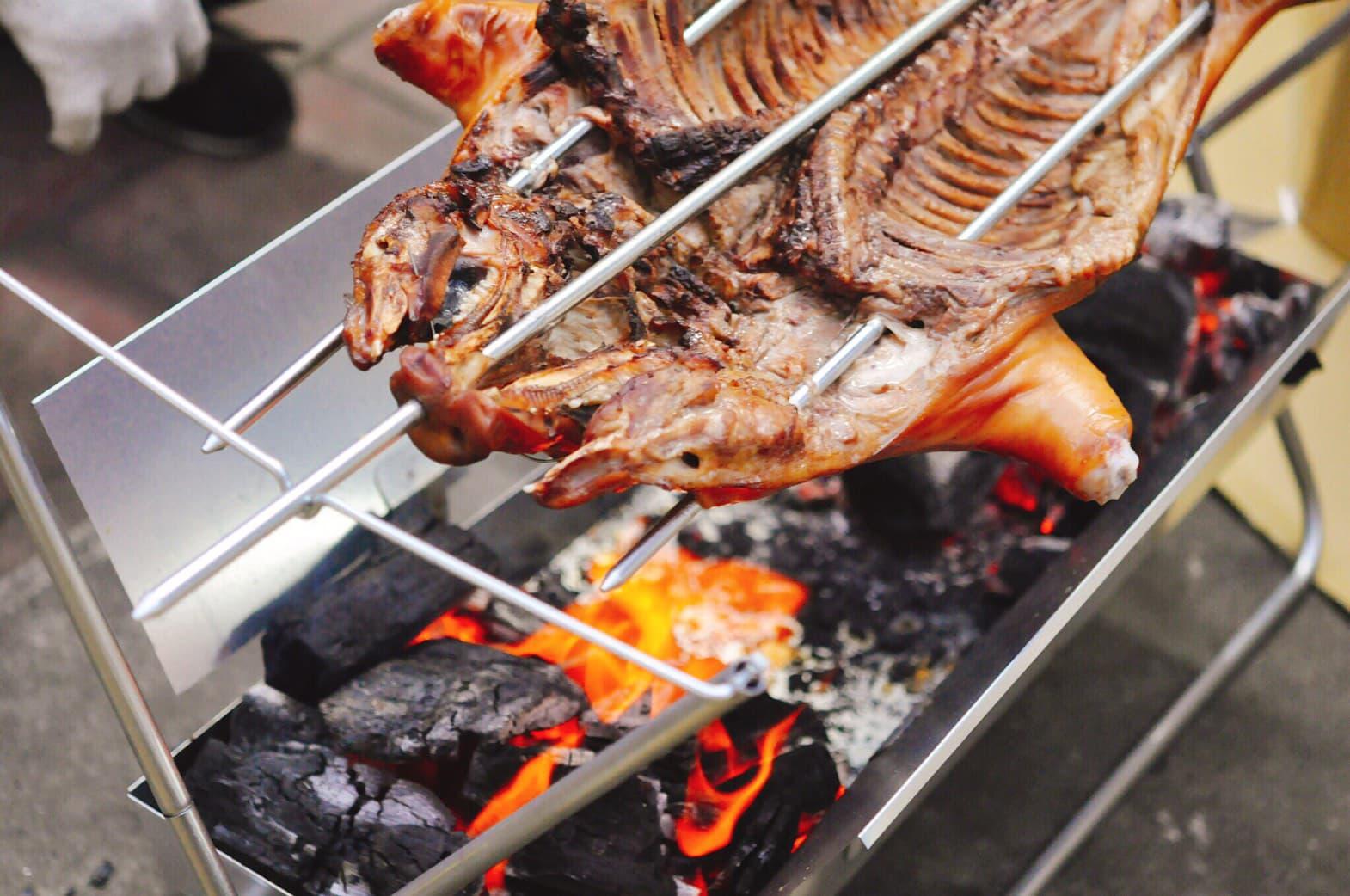 港式脆皮烤乳豬